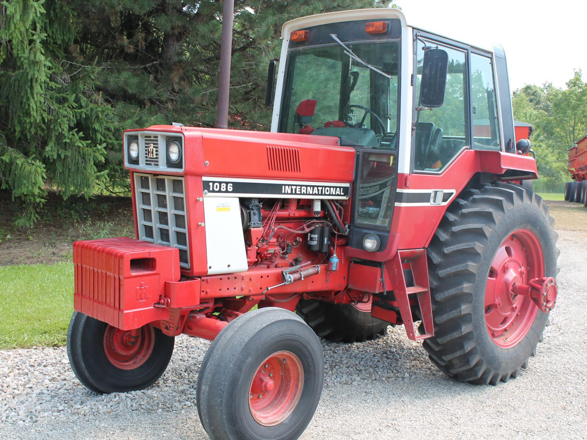 1086 Ih Plowing : Hamburger farm equipment auction the wendt group inc