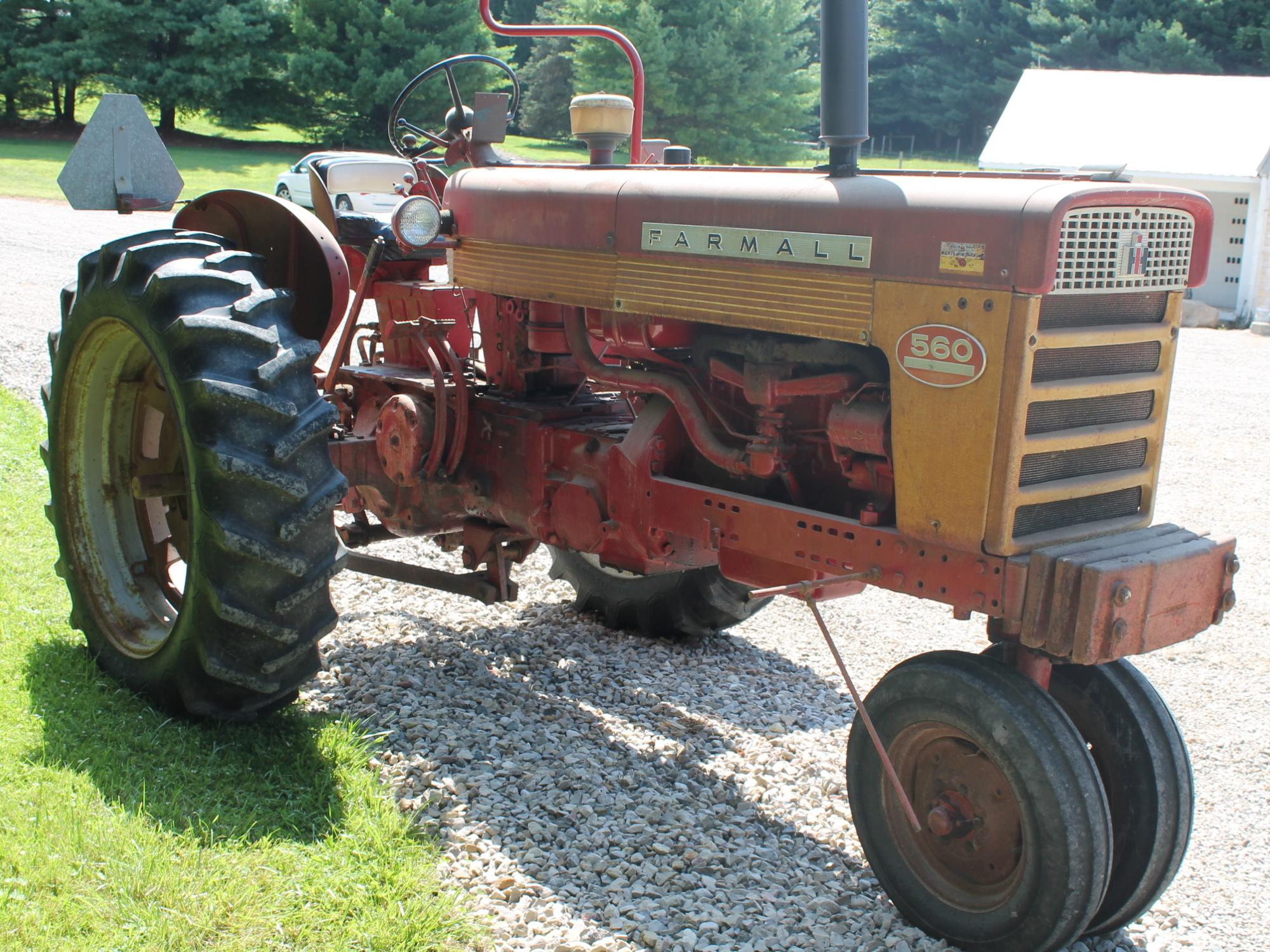 International 560 Fenders : Hamburger farm equipment auction the wendt group inc